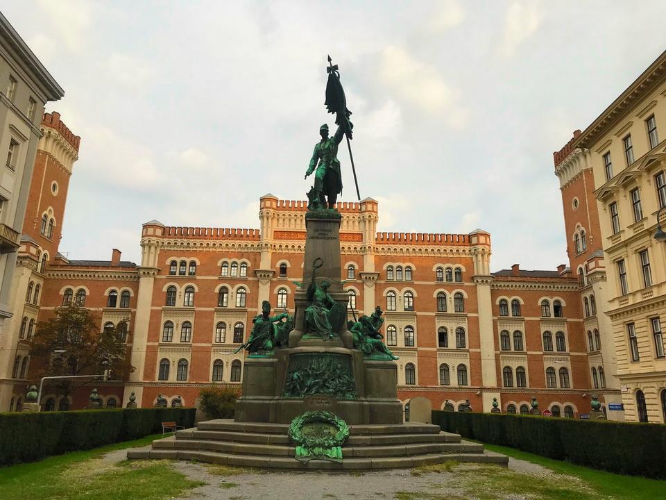 เวียนนา อนุสาวรีย์ Deutschmeister-Denkmal